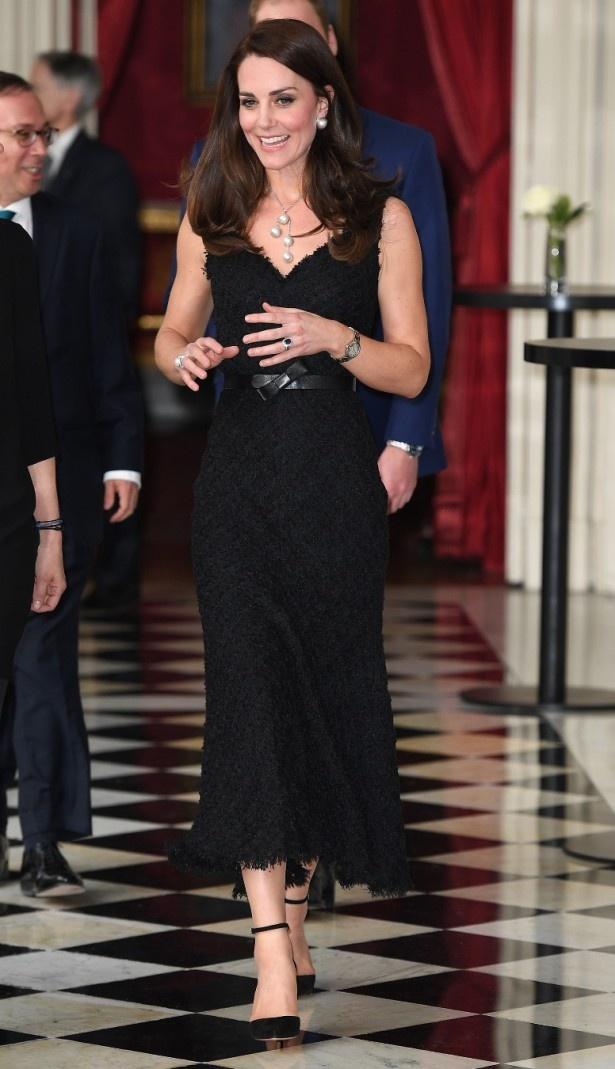 【写真を見る】様々なドレスで注目を集めたキャサリン妃