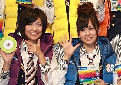 「ポスターを実際に見に行きます!」と話した前田さんと宮澤さん【その他発表会画像はコチラ】