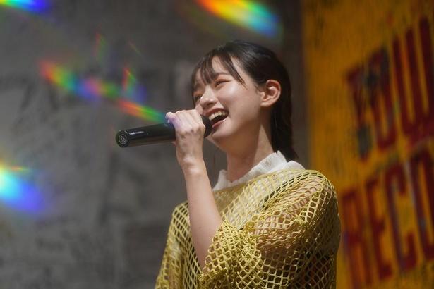 タワーレコード梅田NU茶屋町店でミニライブを行った武藤彩未