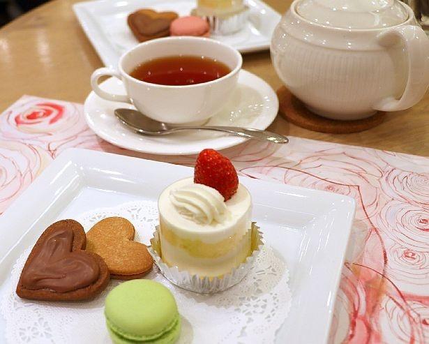 第1回プレミアムフライデーで開催された「プレミアム紅茶セミナー」の様子