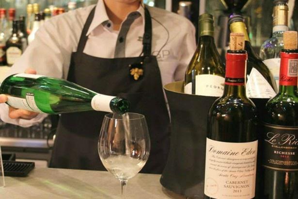 「キリン・ハートランド」(税抜480円)や「グラスワイン」(税抜500円~)などドリンクも充実