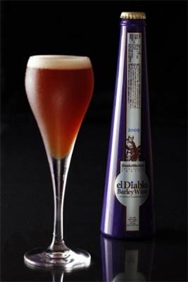 ボトルもオシャレな「バーレイワイン エルディアブロ2009」という名のビール。今年は例年の倍の6000本を準備したが、すでに事前予約で4000本が完売しているという超人気ビールだ