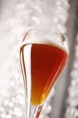 この芳醇な色合いはビールの域を超えている!?