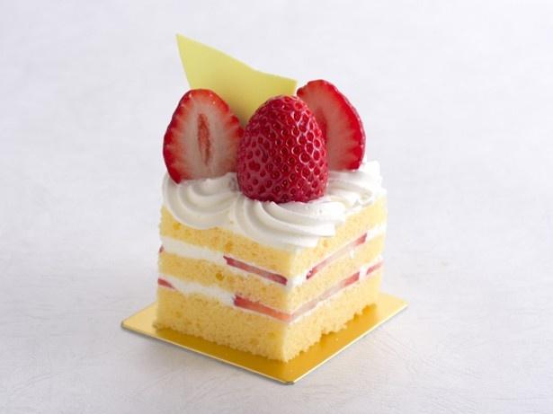 【写真を見る】ガトーフレーズ(550円)。定番のイチゴのショートケーキは、ボリューム感があり食べごたえもある