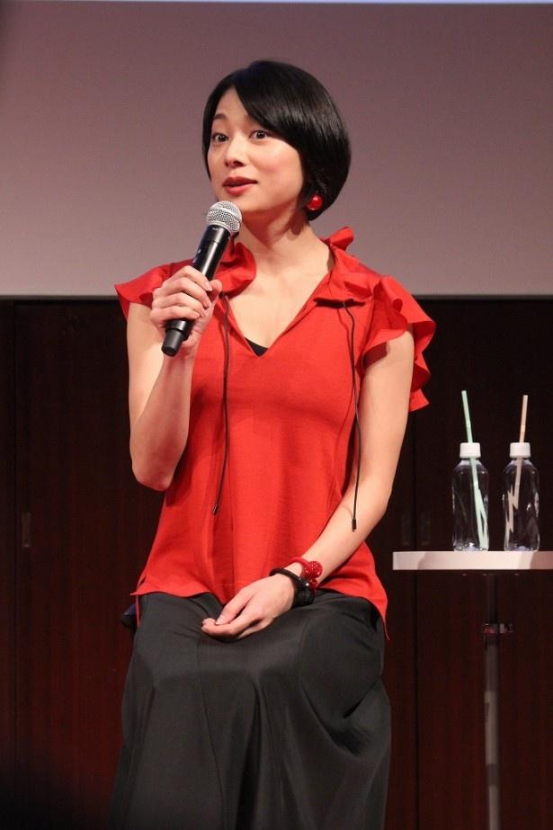 「私が演じる麻子は、誘拐はしていませんからね!」と愛着ある役について弁解する小池