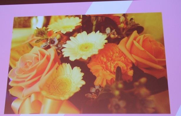 中島裕翔が母との思い出の品に選んだのは「主演映画の公開初日に贈ってもらった花」。撮影は中島自身によるもの