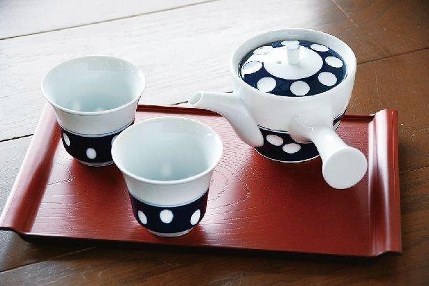 「急須」(3240円)、「湯のみ」(各1296円)