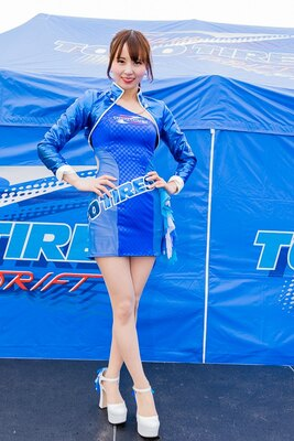 Team TOYO TIRES DRIFTの美人レースクイーン
