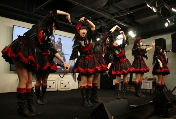 リリースイベントは4thシングル収録曲「オトメゴコロ」でスタート