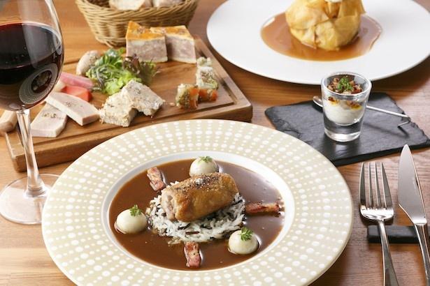 前菜、メインをプリフィクススタイルで出す、レストラン レネのコースA(3780円)。前菜の5種のパ手はすべて自家製