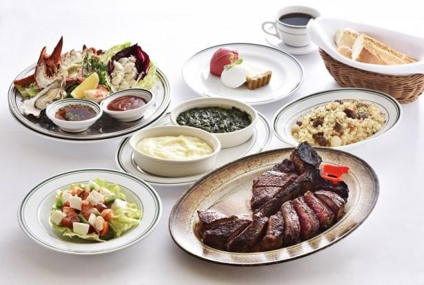 【写真を見る】「開店2周年記念コース」はステーキがメインのお得なコース