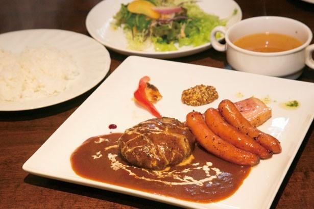 前園さんが食べたハンバーグやソーセージなどのミックスグリル¥1,000