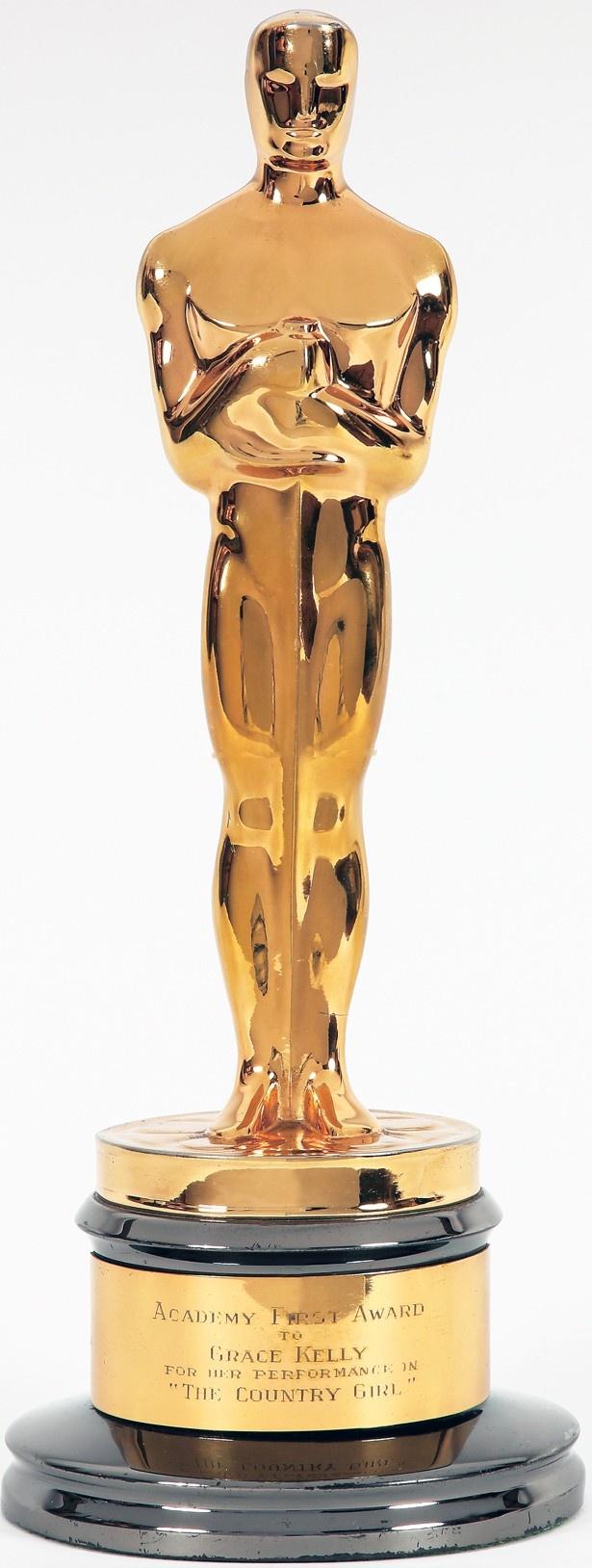 1955年に受賞したオスカー像の実物
