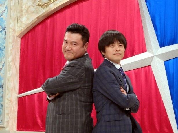 新番組「笑×演」でMCを担当する(写真左から)山崎弘也、バカリズム