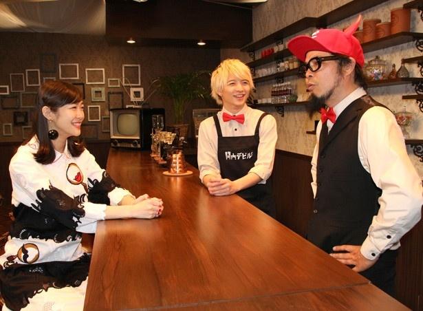 【写真を見る】菊谷宏樹Dのトークに小林龍二、加村真美は押されっ放し!?