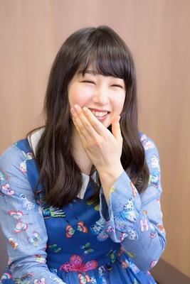 美しく生きることは、常に笑顔を忘れない事だと思っていますと話す桜井日奈子