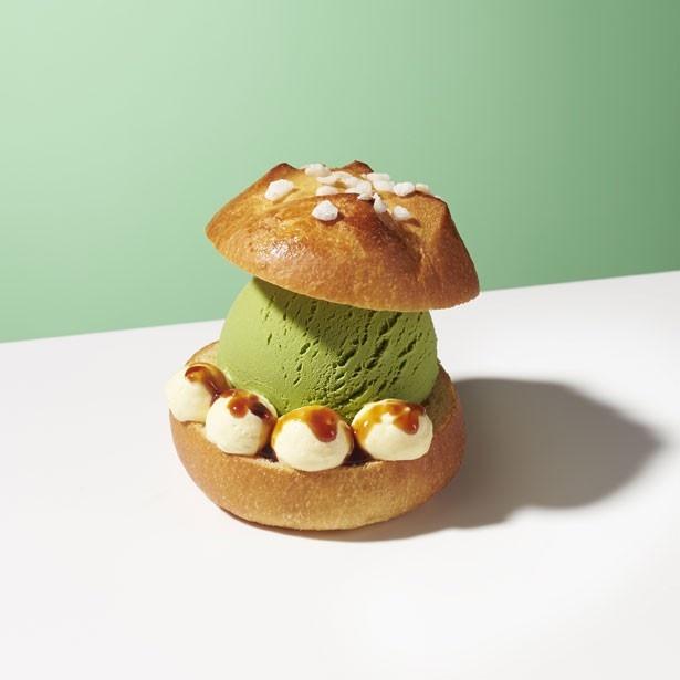 """「プチブリオッシュシュクル with """"グリーンティー""""」(税抜600円)。発酵バターを使用したブリオッシュに、グリーンティーアイスクリームをサンド"""