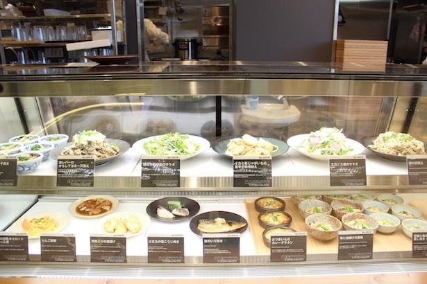 「Café&Meal MUJI」は保存料無添加、化学調味料の使用を最小限に抑えた体に優しいメニューが並ぶ