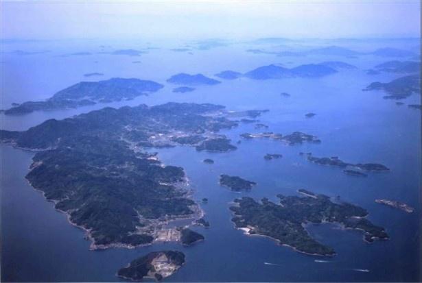 【写真を見る】瀬戸内海にぽっかりと浮かぶ大崎上島