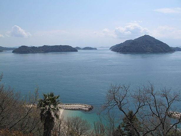 島の周りには無人島が点在
