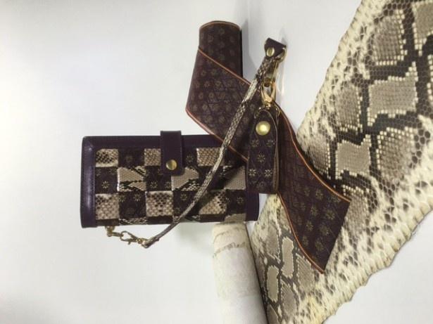 畳の縁を使った長財布