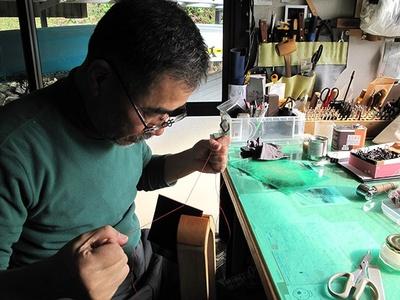 革細工を教えたりと、移住者とも関わりがある