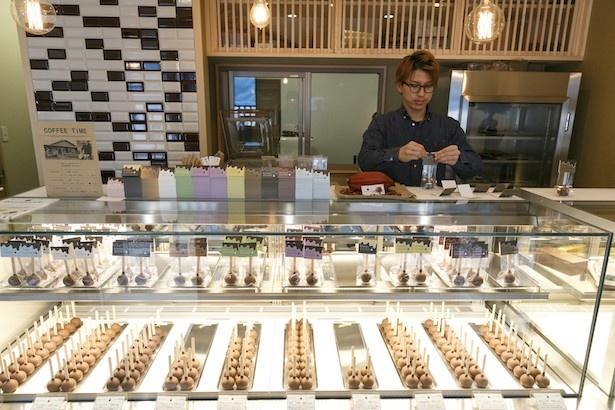鎌倉限定のフレーバーも含め12種を扱う(1本480円〜)(Bonnel Cafe 鎌倉店)