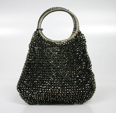 アンテプリマの「ワイヤーバッグ」。銀蔵での中古売価は1万5800円のところ1泊1000円