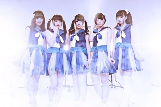 煌めき☆アンフォレントの1stシングル「運命√ビッグバン/幻影★ギャラクティカ」が、オリコンデイリーチャートで2位を獲得した