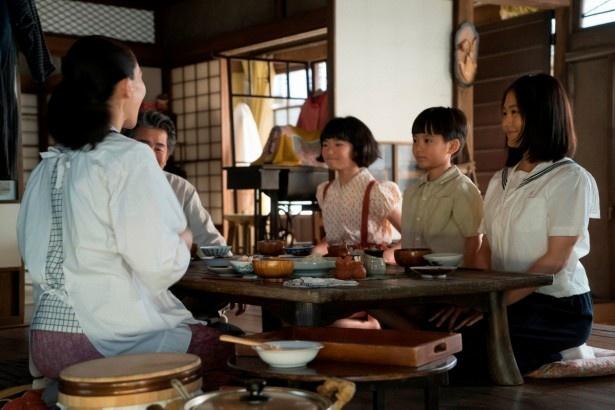 舞台は自然に囲まれた奥茨城村。みね子は集団就職で東京へ行くことになる