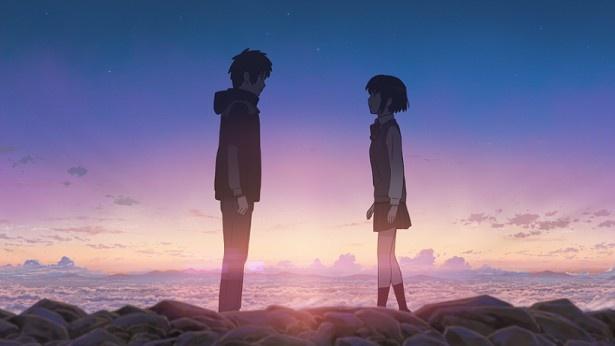 映画「君の名は。」で二人が再会するシーンの雲がICEラテにイメージされている