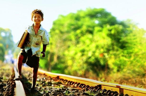 幼い頃の主人公・サルー役を務めたサニー・パワールは本作が映画初出演