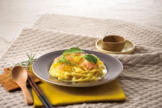 三井アウトレットパーク 札幌北広島の鎌倉パスタで味わえる「北海道産ラクレットチーズと生ハムのフィットチーネ」(1285円)
