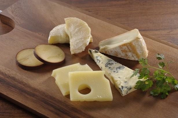 チーズの伝道師が厳選したチーズを使用