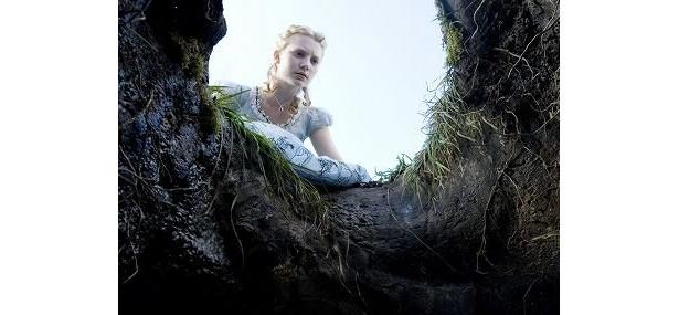 19歳になったアリスが繰り広げる冒険物語『アリス・イン・ワンダーランド』
