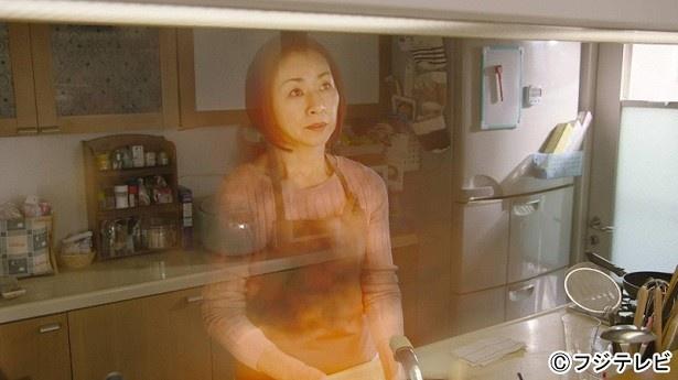 【写真を見る】残像となって現れる原田美枝子