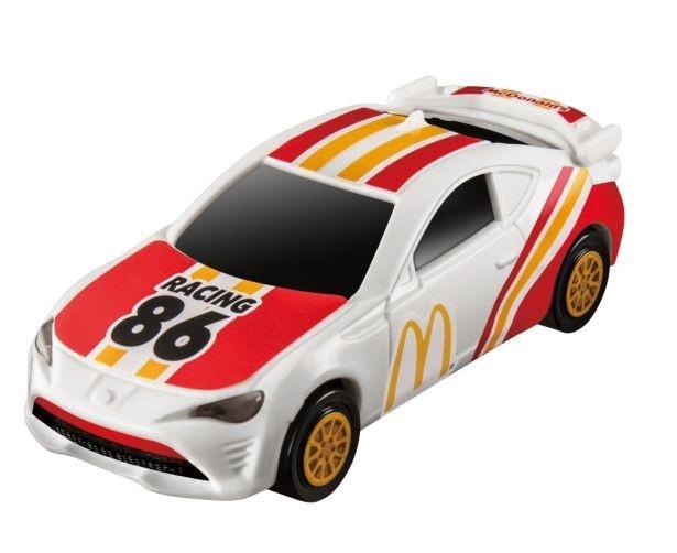 マクドナルドオリジナルデザインの「トヨタ86」は車体裏のスイッチを入れるとヘッドライトが光る!