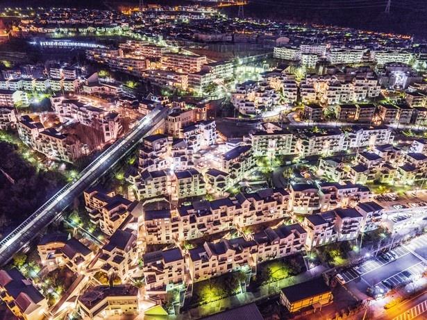 建設省都市景観100選で大賞を受賞した「名塩のニュータウン」(兵庫)をドローンで撮影!