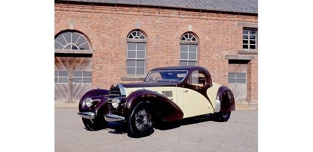 トヨタ博物館の至宝「ブガッティ タイプ57C」(1938年)がお目見え。レーシングカーのみでなく、こんな豪華な車も作っている