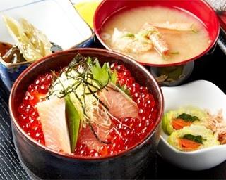 お食事処 夷知床/生うに丼(2,500円)