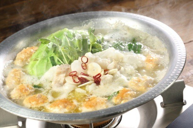 トリプルスープで食べる「生つくね塩もつ鍋」