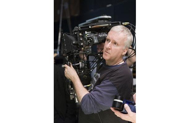 カメラまで開発し、自らの映像表現を追求