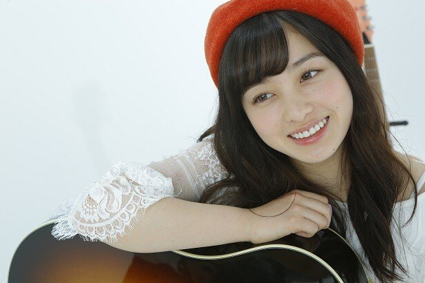 橋本環奈、ギター少女に!