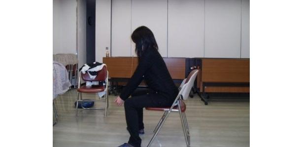 [1]「きれいな構えで立つためのトレーニング」いすから立ったり座ったりを繰り返す