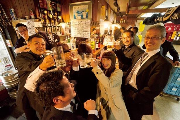 素材のよさが評判の立ち飲み店「徳田酒店 西梅田店」