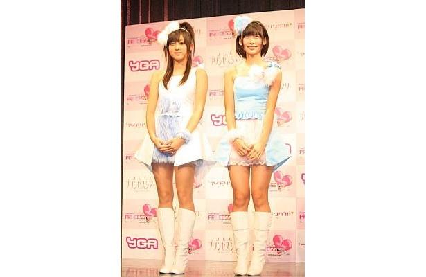 アイドリング!!!の朝日奈央さん(右)と菊地亜美さん
