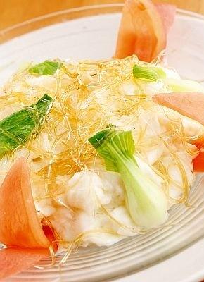 牛乳入りフカヒレの卵白炒め(1575円)は、卵白と牛乳とフカヒレがフワフワ、なめらかな口当たり/中国料理 清宏楼