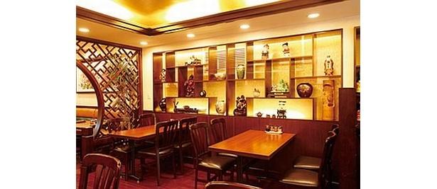 龍華飯店 溝ノ口店の料理長は広東省出身。広東料理が中心だが、麻婆豆腐やエビチリなど四川料理も自慢