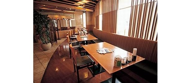 エルシャンテ追浜 杏の花は、四川料理と日本料理の2人の料理長がいるので、同じテーブルで本場四川料理と本格和食が食べられる珍しい店