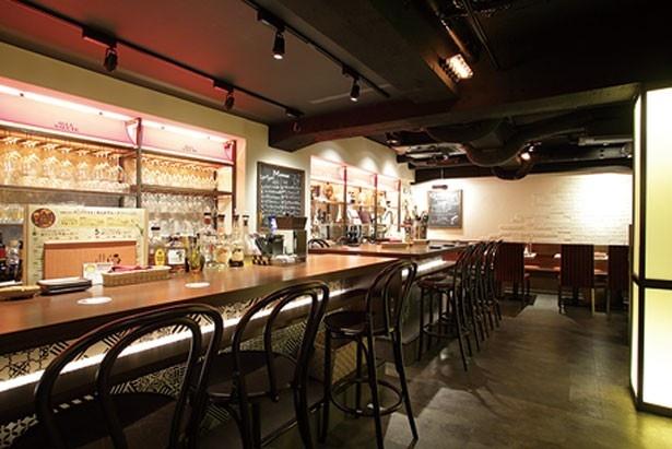 落ち着いた店内。女性同士での利用もおススメ/ジビエ肉&ワイン酒場ALLAサルーテ